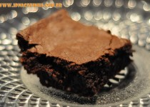 Brownie de chocolate com nozes e castanhas